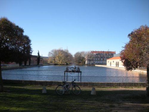 Foto 1 - Dársena del Canal de Castilla en Palencia